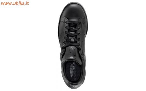 adidas nere maculate